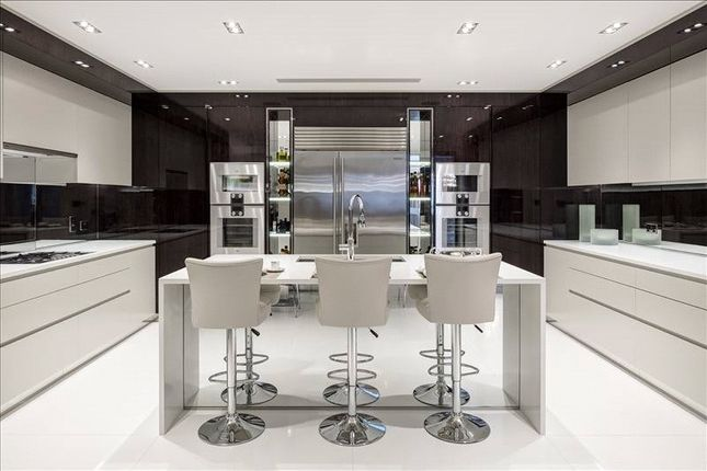 Kitchen of South Street, Mayfair, London W1K