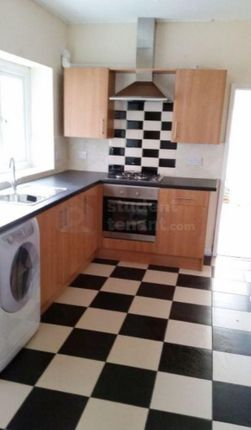 Thumbnail Shared accommodation to rent in Queen Street, Pontypridd, Rhondda Cynon Taff