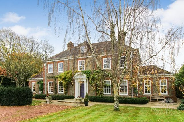 Thumbnail Detached house for sale in Webbs Lane, Beenham, Reading