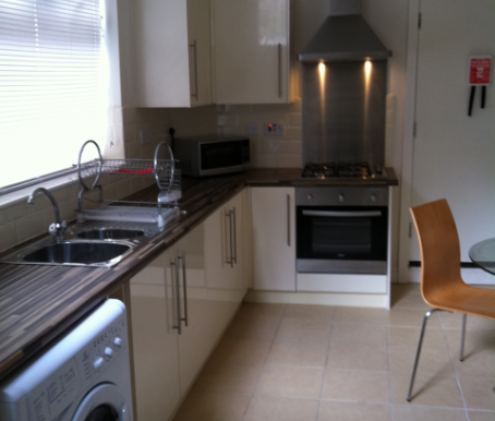 Thumbnail Shared accommodation to rent in Great Cheetham Street, Salford