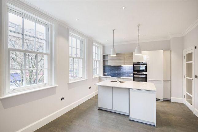 1 bed property to rent in Cochrane Mews, St Johh's Wood, London NW8