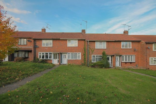 Thumbnail Terraced house for sale in Deepdene, Kingswood, Basildon