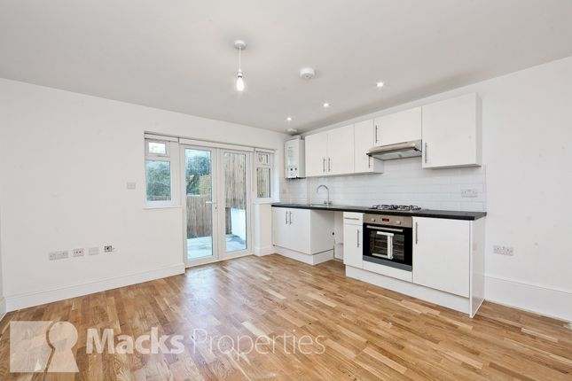 Thumbnail Flat to rent in Elmers End Road, London