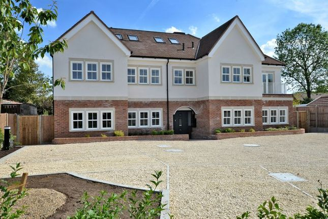 Thumbnail Flat for sale in Fir Tree Road, Banstead