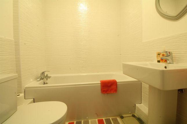Bathroom of Ruddings Court, East Ardsley, Wakefield WF3
