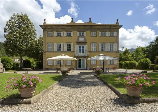 Thumbnail Country house for sale in Lucca Lucca, Italy