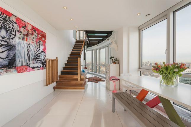 Living Area of Ontario Tower, Fairmont Avenue, Canary Wharf E14