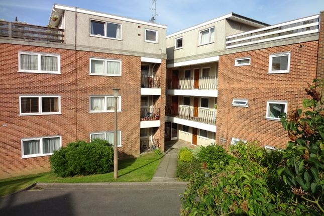 Thumbnail Flat to rent in Highmill, Kingshill, Ware
