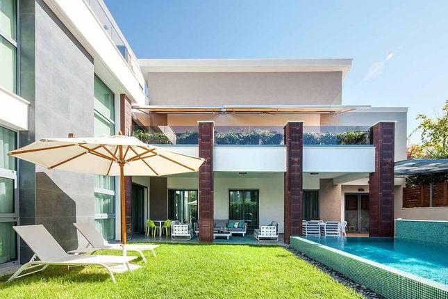 Villa for sale in Amathounta, Limassol, Cyprus