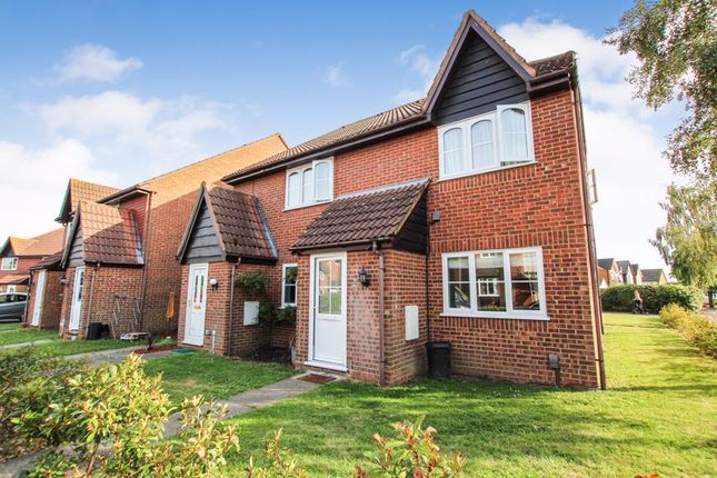 Thumbnail Property for sale in Creasey Close, Hornchurch