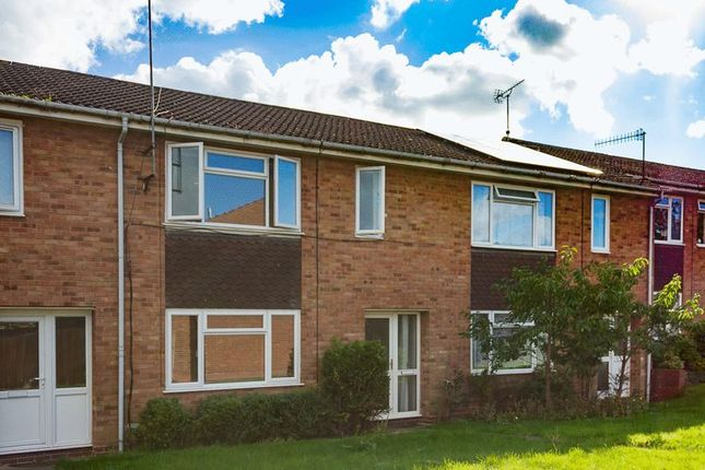 Thumbnail Terraced house to rent in Kingsley Avenue, Redditch