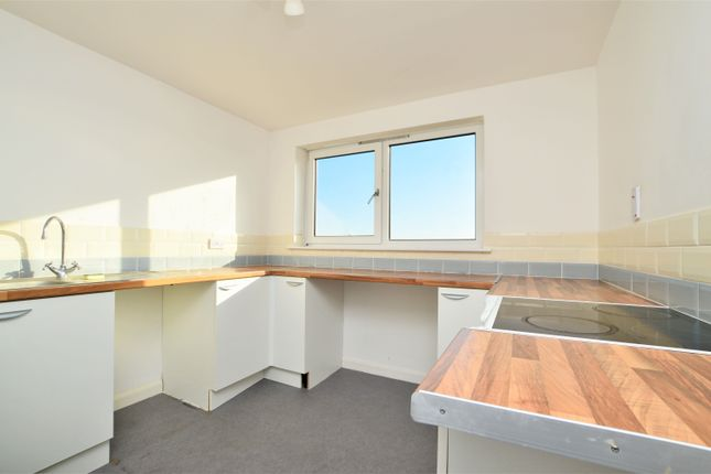 2 bed flat to rent in Clarendon Road, Margate CT9