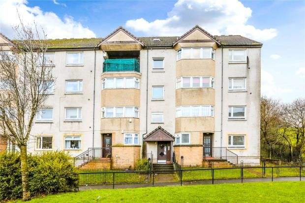 Thumbnail Flat for sale in 2/2, Kyleakin Road, Thornliebank, Glasgow
