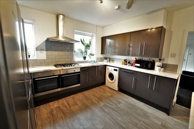Thumbnail Terraced house to rent in Wilford Lane, West Bridgford, Nottingham