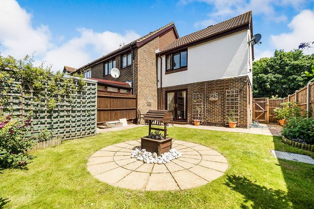 Thumbnail Property for sale in Goldfinch Road, West Thamesmead, London