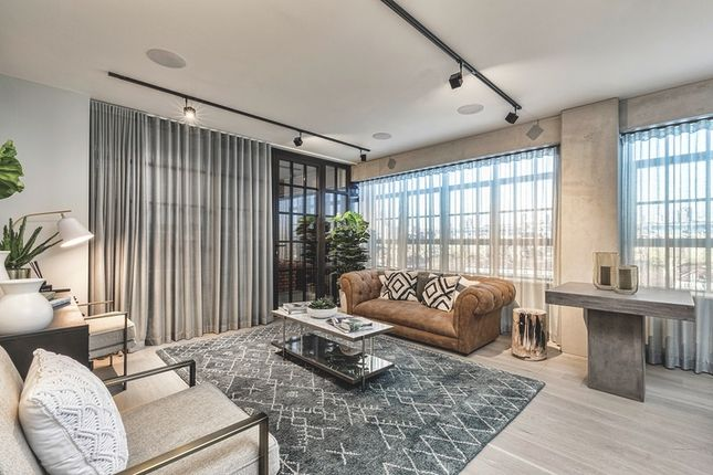 Thumbnail Town house for sale in 58 Grange Road, Bermondsey