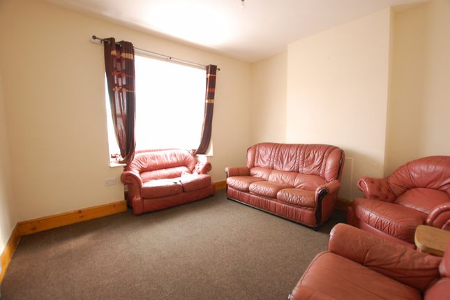3 bed terraced house to rent in Rock Street, Sheffield