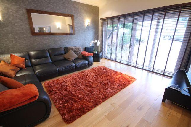 Family Room of Glebe Wynd, Bothwell, Glasgow G71