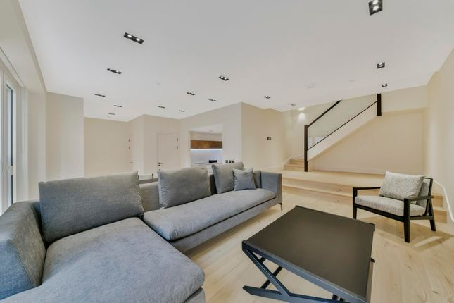 Thumbnail Property to rent in Keybridge, Vauxhall, London