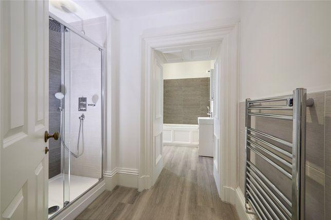 Bathroom of The Moreton, Backford Hall, Backford Park, Chester CH2