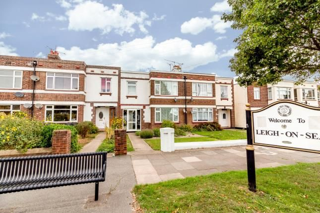 Thumbnail Flat for sale in Leigh On Sea, Essex, Uk