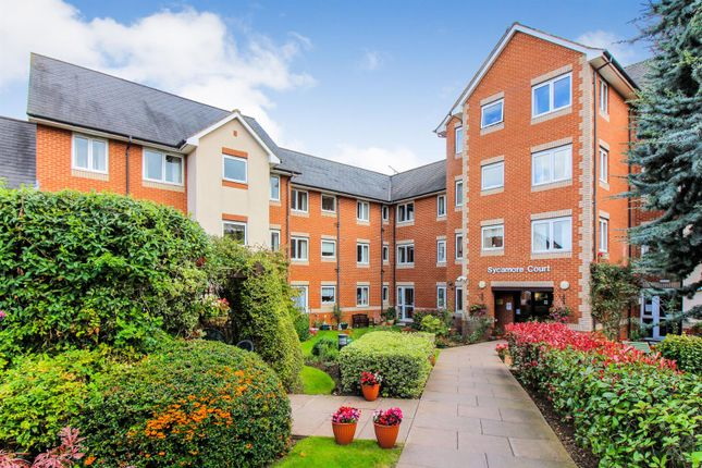 Flat for sale in Willow Road, Aylesbury