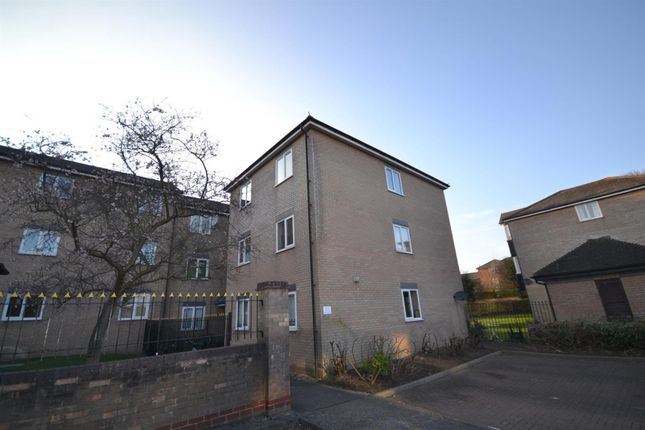 Thumbnail Flat to rent in Flanders Field, Colchester