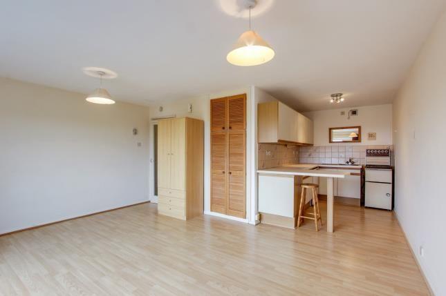 Lounge To Kitchen Vi