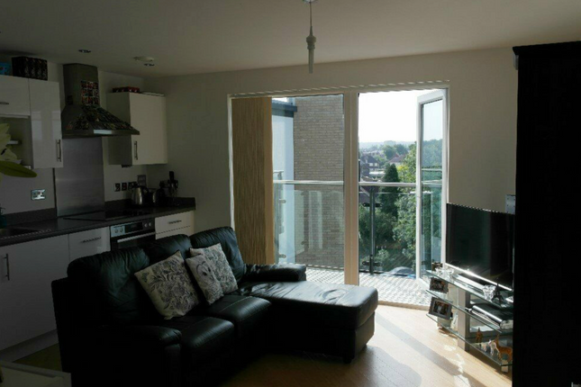 Thumbnail Flat to rent in Logs Hill, Bromley, Kent, London