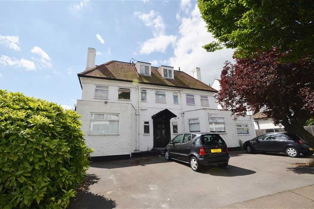 Thumbnail Flat to rent in Kings Road, Westcliff-On-Sea, Essex