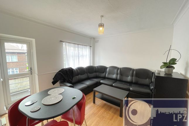 3 bed flat to rent in Kings Drive, Wembley Park HA9