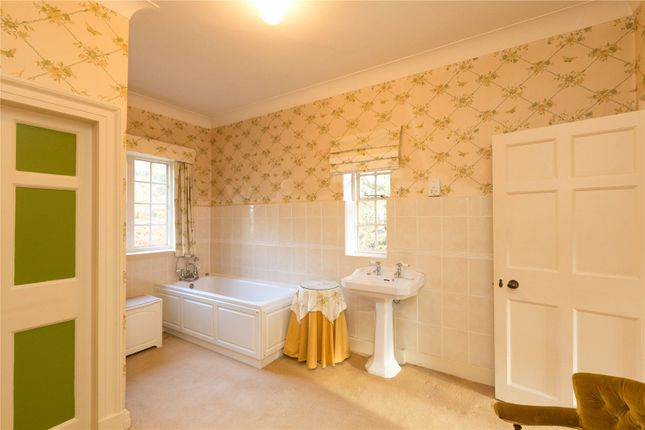 Bathroom of Quarry Road, Neston CH64