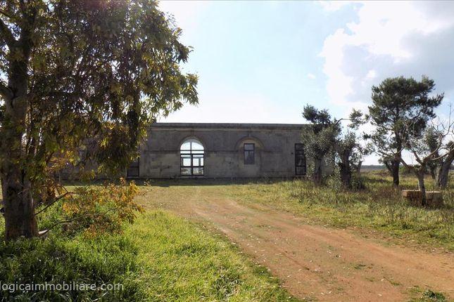 Thumbnail Farmhouse for sale in Sp35, Melpignano, Apulia