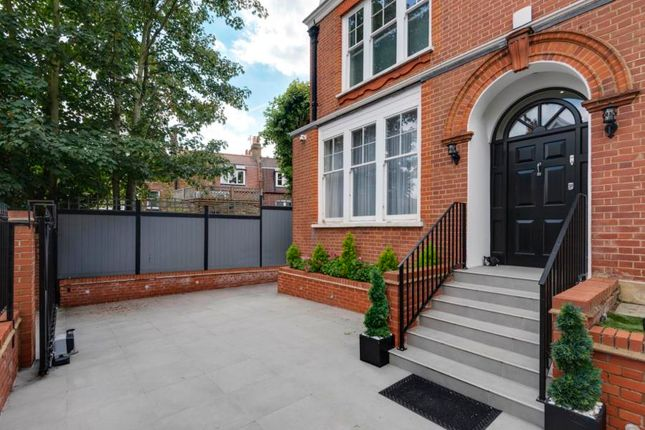 Thumbnail Detached house to rent in Honeybourne Road, West Hampstead