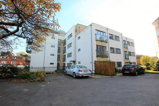 Thumbnail Flat to rent in Sea Road, Boscombe Spa, Bournemouth