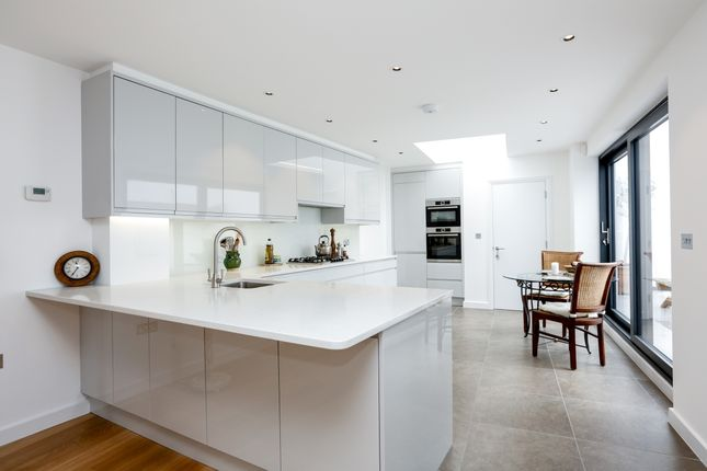 Thumbnail Semi-detached house to rent in Homefield Road, London