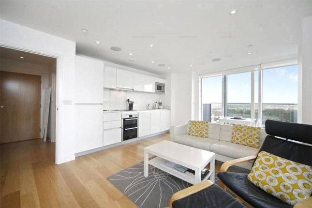 Thumbnail Property for sale in Woodberry Grove, Finsbury Park