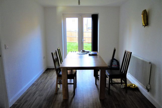 Thumbnail Shared accommodation to rent in Canal View, Coventry, West Midlands