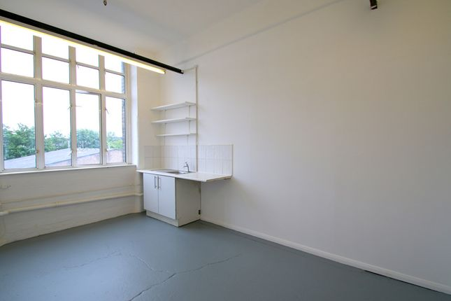 Thumbnail Office to let in Unit 9C (L) Queens Yard, White Post Lane, Hackney, London