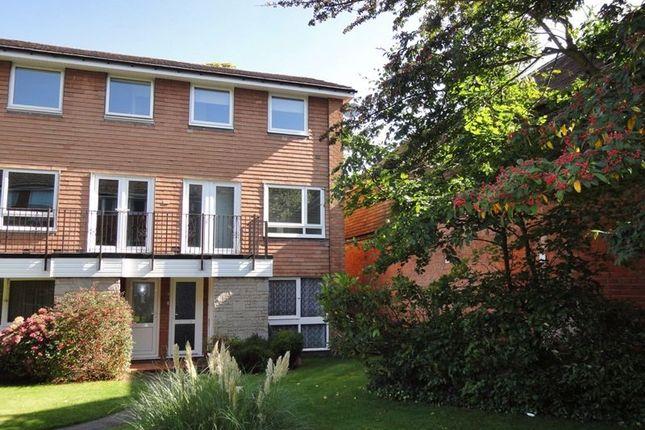 Thumbnail Flat to rent in Avon Drive, Moseley, Birmingham