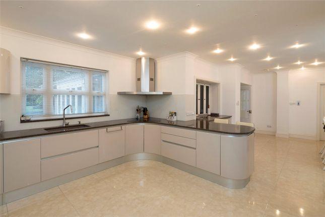 Thumbnail Property to rent in Warren Park, Kinsgton Upon Thames, Surrey