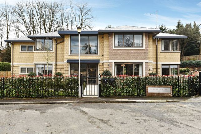 Thumbnail Flat for sale in Beaumore Place, South Park View, Gerrards Cross, Buckinghamshire