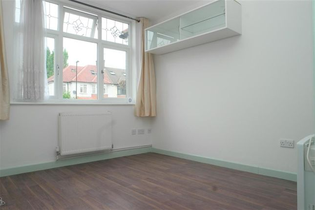 Thumbnail Flat to rent in Pitfold Road, Lee, London