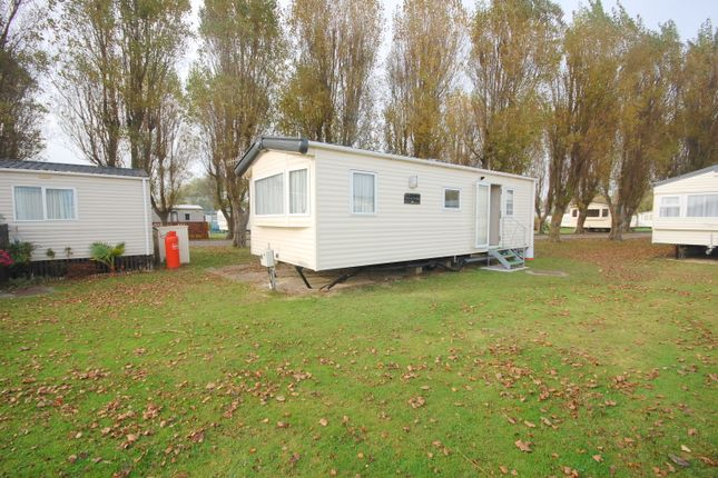 2 bed mobile/park home for sale in White Horse Holiday Village, Selsey