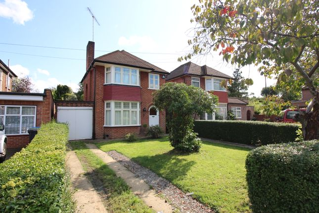 Thumbnail Detached house for sale in The Vale, Southgate