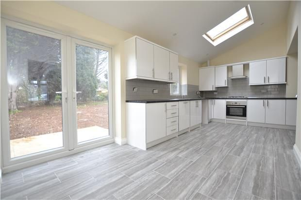 3 bed semi-detached house to rent in Wyck Beck Road, Bristol