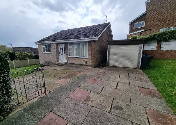 3 bed detached bungalow to rent in Beechwood Drive, Royton, Oldham OL2