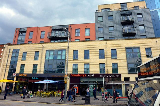 Thumbnail Flat to rent in Central Quay, Broad Quay, City Centre, Bristol