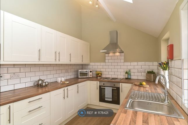 Room to rent in Tarvin Road, Boughton, Chester CH3