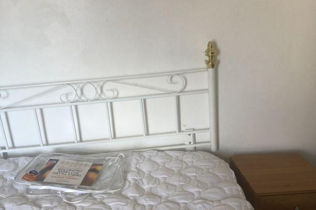 Thumbnail Shared accommodation to rent in Minerva Street, Bridgend